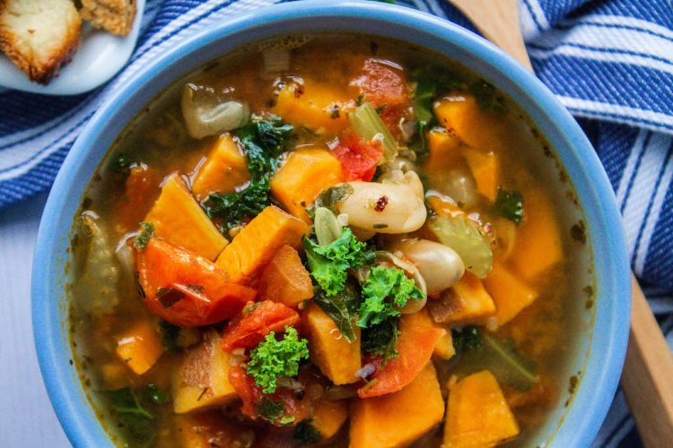 cannellini bean and kale soup-11