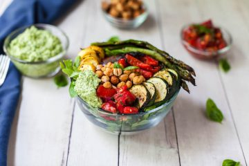 vegan bruschetta bowl with cashew pesto-10