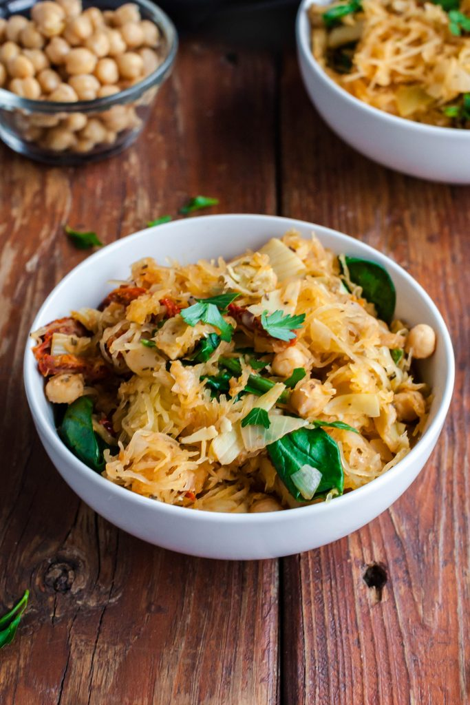 spaghetti squash with sun dried tomatoes